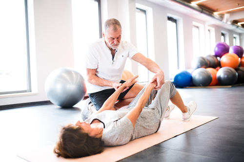 What is the average age of a personal trainer image